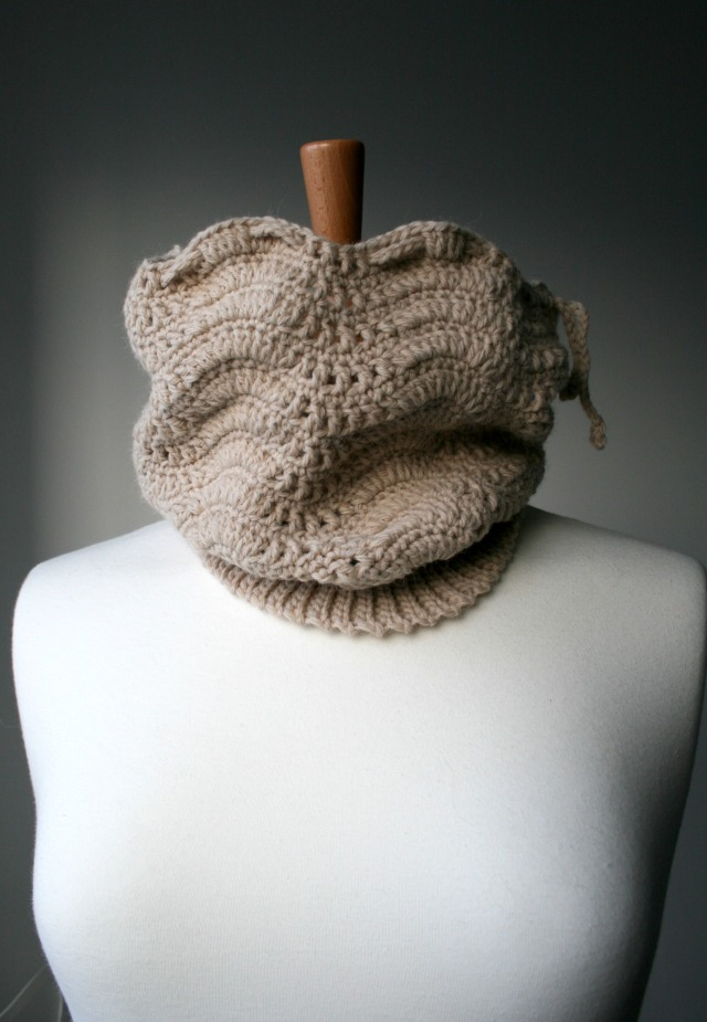 Slouchy lace hat and cowl 160 9