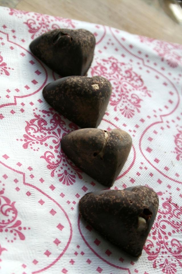 LuzPatterns.com DIY Chocolate hearts 2