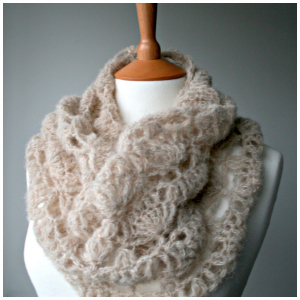 LuzPatterns.com air lace cowl