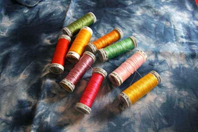 LuzPatterns.com colourful threads