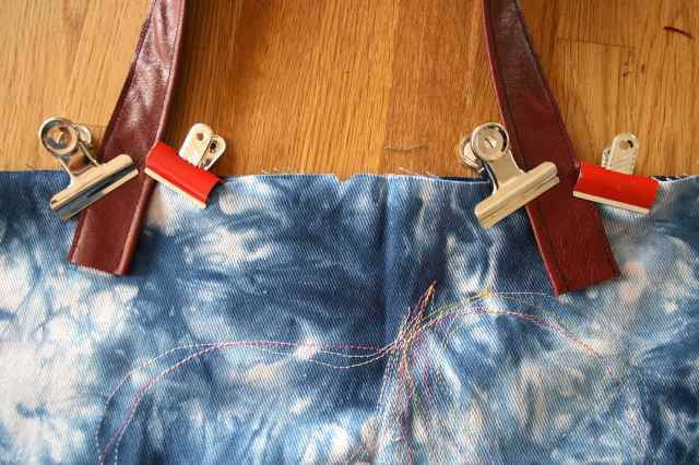 LuzPatterns.com leather handles sewing