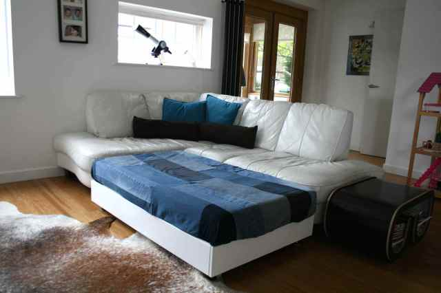 LuzPatterns.com family diy denim sofa bed 1