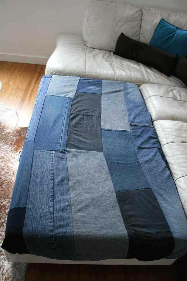 LuzPatterns.com family diy denim sofa bed 3