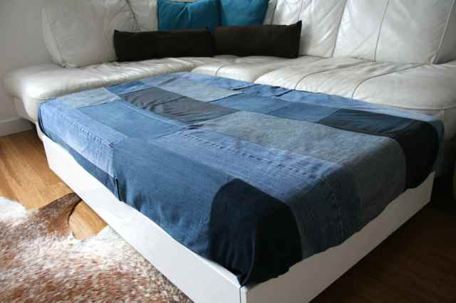 LuzPatterns.com family diy denim sofa bed 4