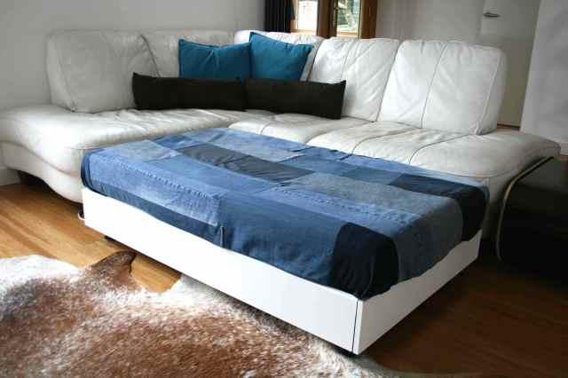 LuzPatterns.com family diy denim sofa bed 5