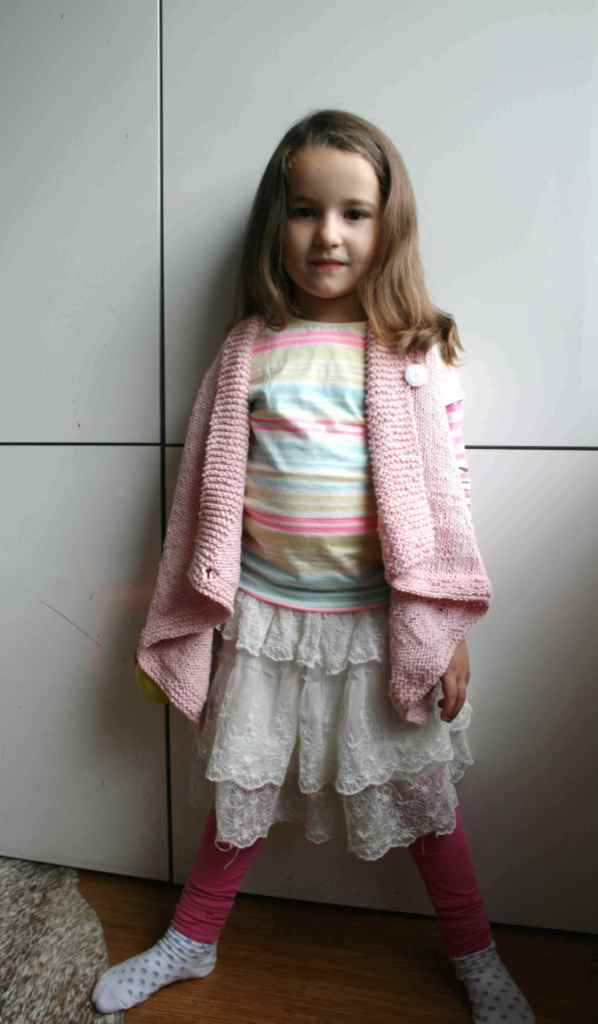 LuzPatterns.com girls sleevesless vest 04 5