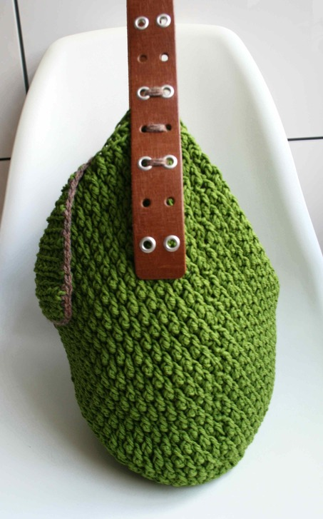 LuzPatterns.com_Leather_handle_carry_all_crochet_purse_178_5_20