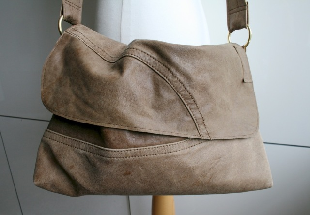 Two_tone_brow_crossed_body_messenger_5_30