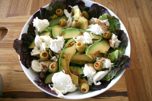 abocado motzarella salad