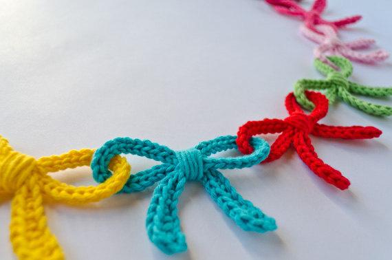 bow crochet bunting