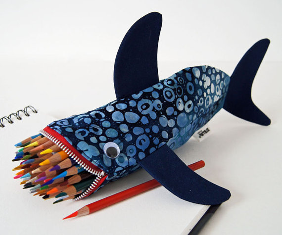 Whale pencil case bloged by minnebites at LuzPatterns.com