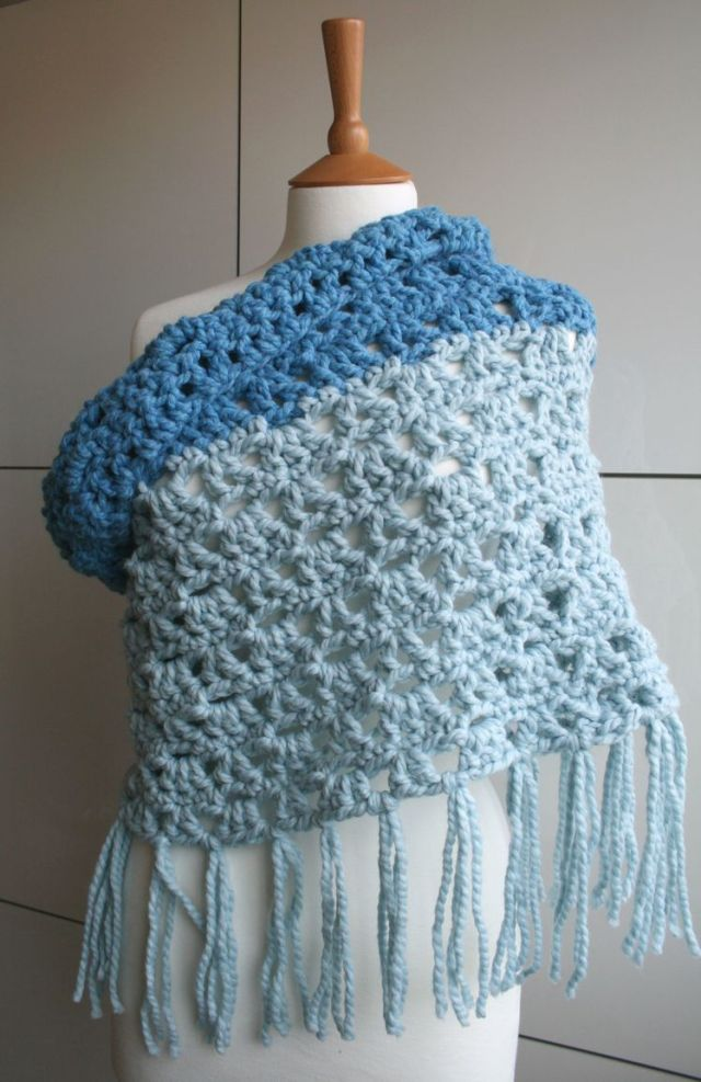 LuzPatterns.com Super chunky XXL fringed cowl 186