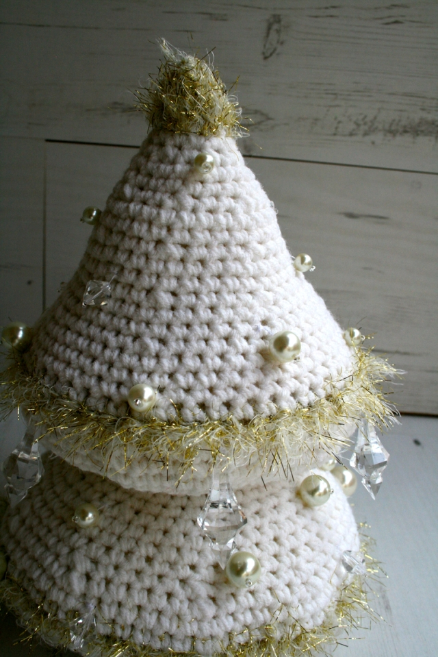 LuzPatterns.com_Snow_white_Xmas_tree_1_2_30