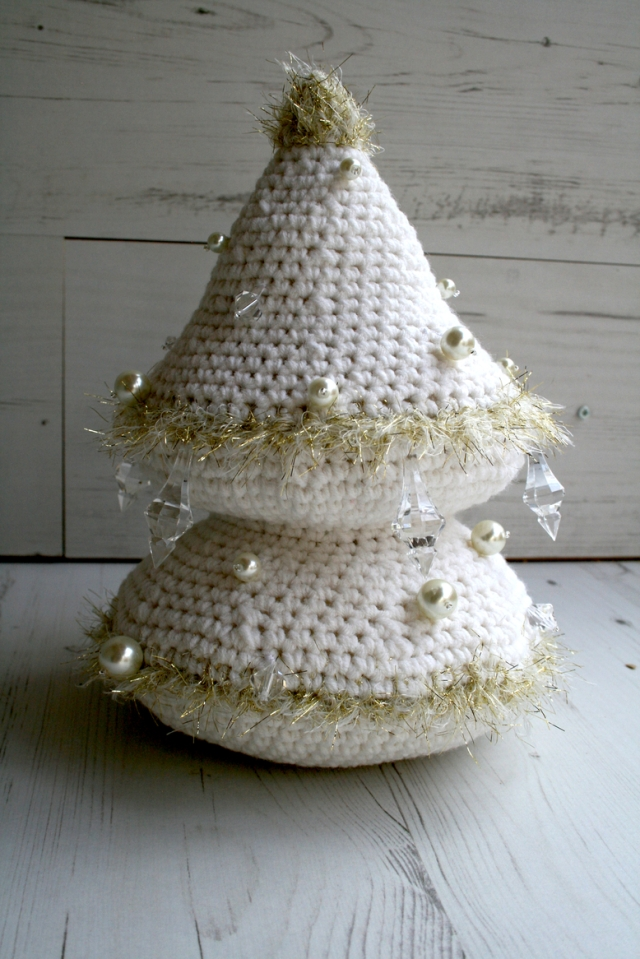 LuzPatterns.com_Snow_white_Xmas_tree_3_30