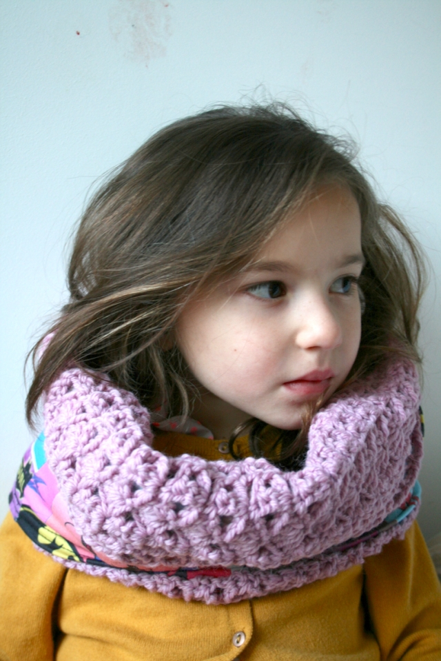 Upcycled_fabric_crochet_cowl_194_4_30
