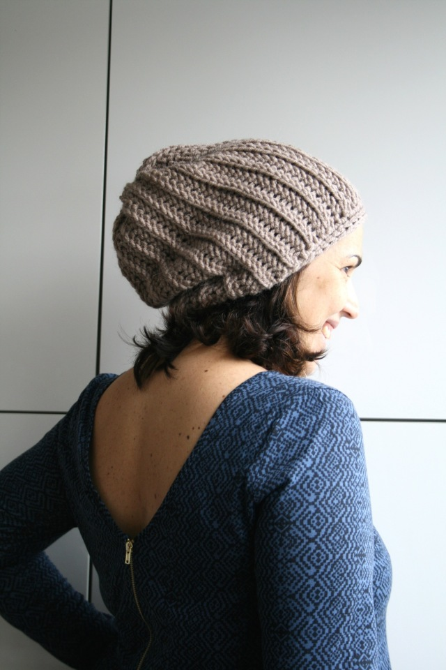 LuzPatterns.com knit look slouchy beane 201_2_1_50