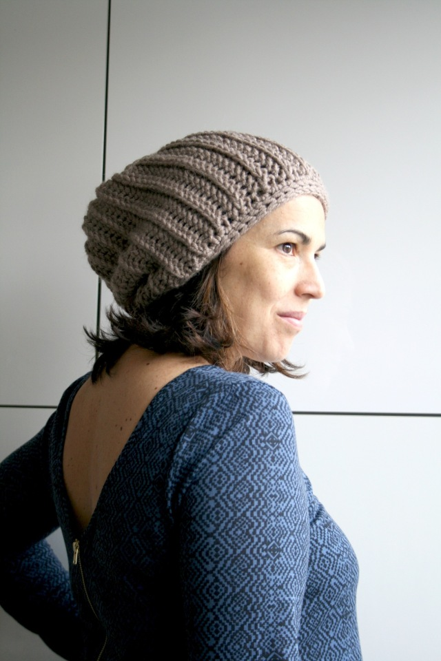 LuzPatterns.com knit look slouchy beane 201_3_50