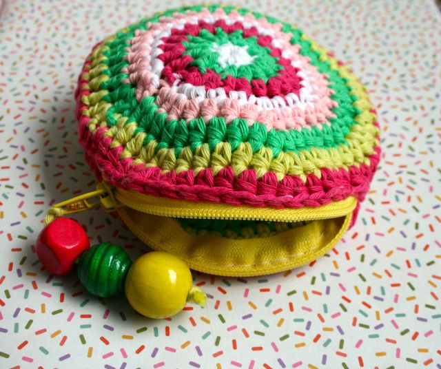 LuzPatterns.com Free crochet purse pattern 01