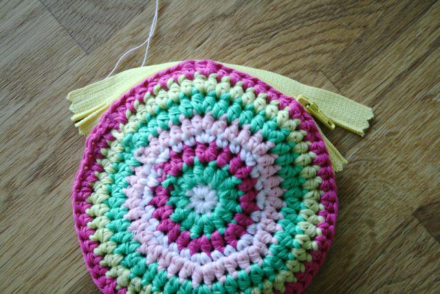 LuzPatterns.com Free crochet purse pattern 11