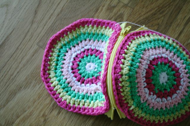 LuzPatterns.com Free crochet purse pattern 12