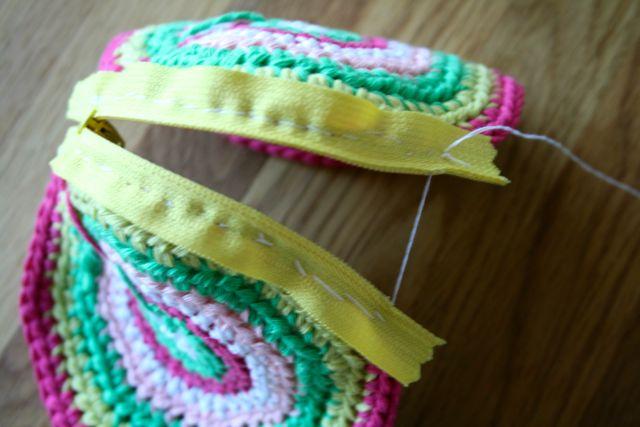LuzPatterns.com Free crochet purse pattern 13
