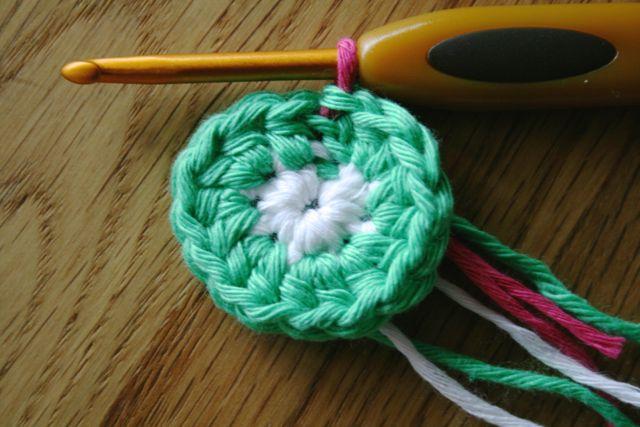LuzPatterns.com Free crochet purse pattern 3