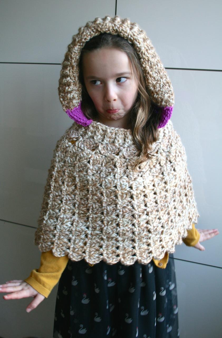 Lacy hooded poncho crochet pattern - Luz Patterns
